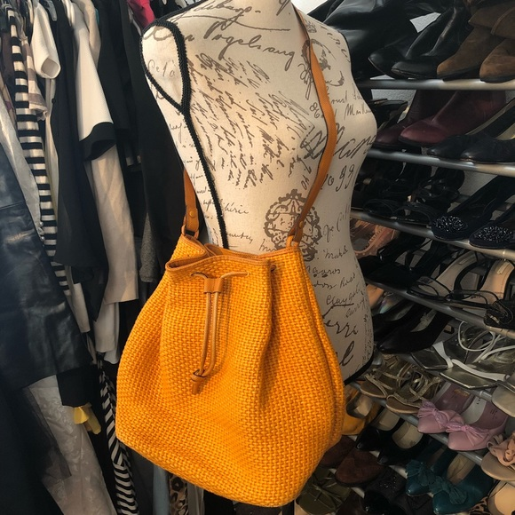 Bottega Veneta Handbags - Authentic Bottega Veneta Bag a937c48919951